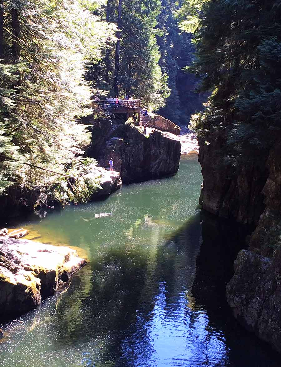 observation deck, Capilano Canyon